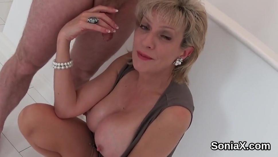 Unfaithful british mature lady sonia flaunts her massive boobies