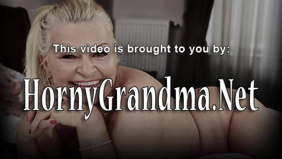 Mature granny gets facial after sucking