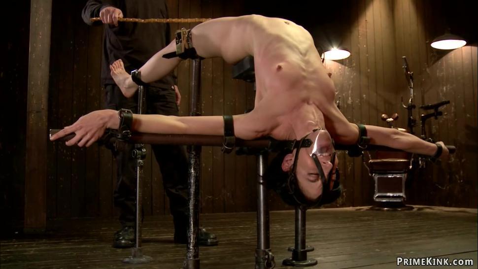 Bdsm/double/slave double penetration toyed lesbian