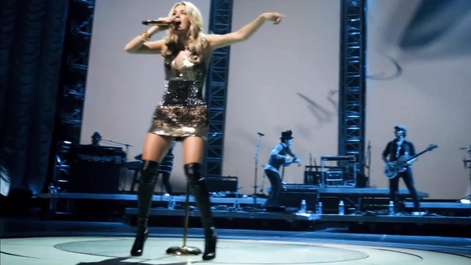 Carrie Underwood - Undo It - Awesome Celebrity Pussy Slip!!!