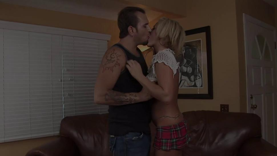 ROYAL BANG - Brooke Belle puts finger in her ass