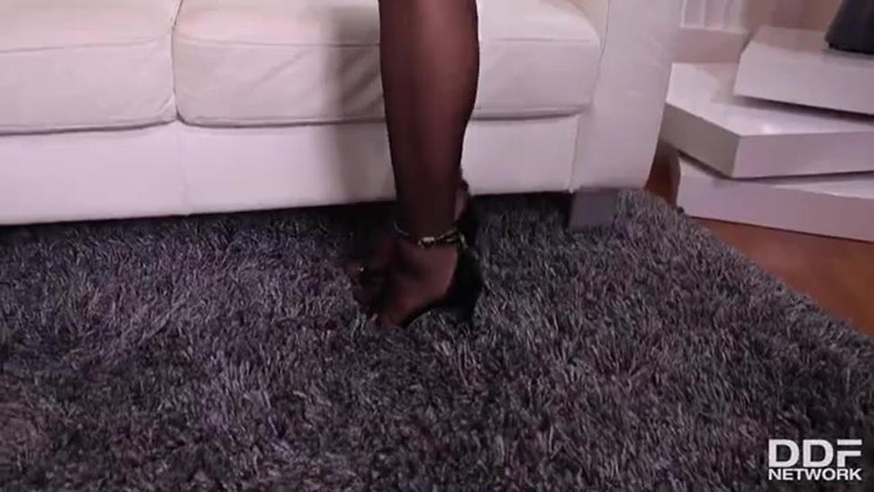 Fuq Porn Ddf Busty Veronica Avluv Busty Milf On Anal Assignment