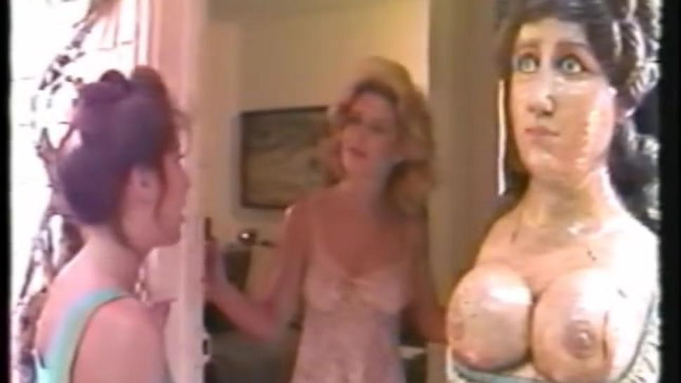 Catfight - Savage Video - Nude Apartment fight