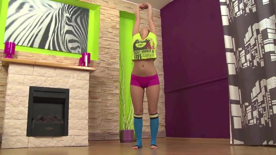 Amateur Teen Sexy Gymnast On Erotic Workout Part1