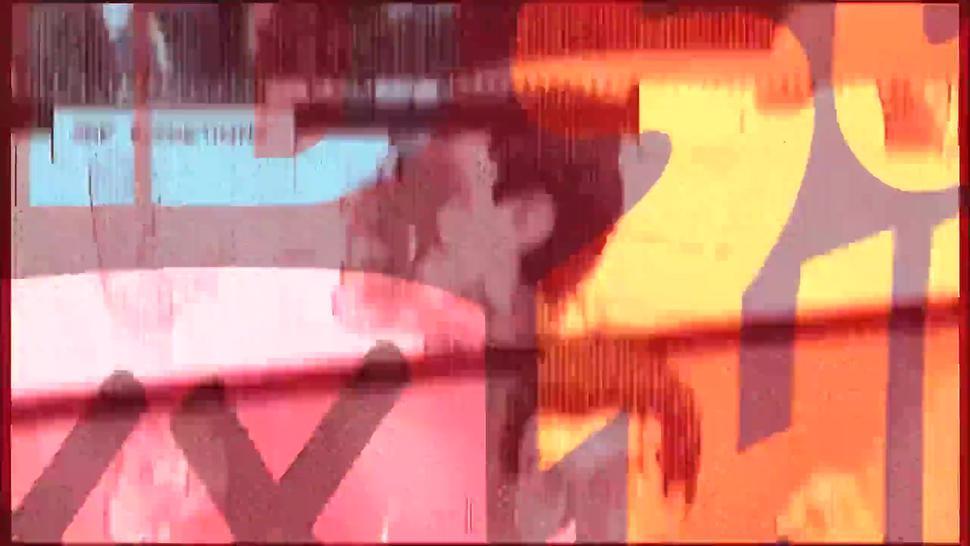 Jazy Berlin As Black Cat - Blonde Cat