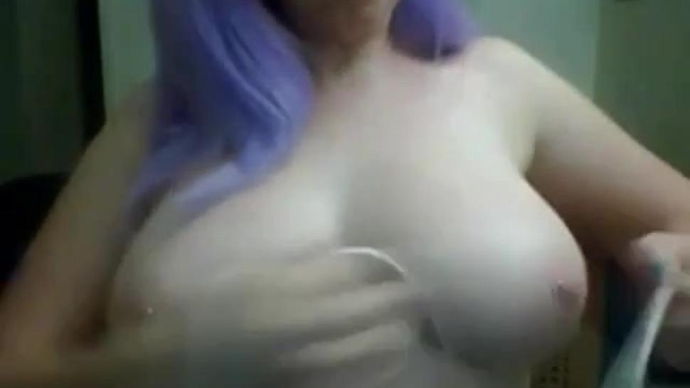 Lavender hair tries self tit bondage