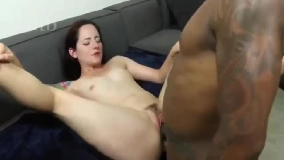 Arzian White Girl fucked and squeaks big black cock