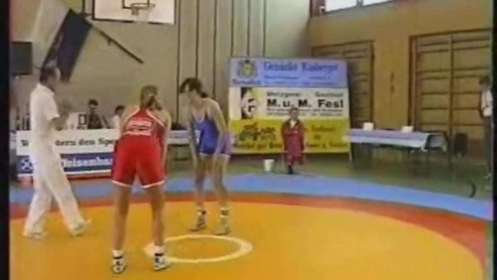 Women wrestling 90s