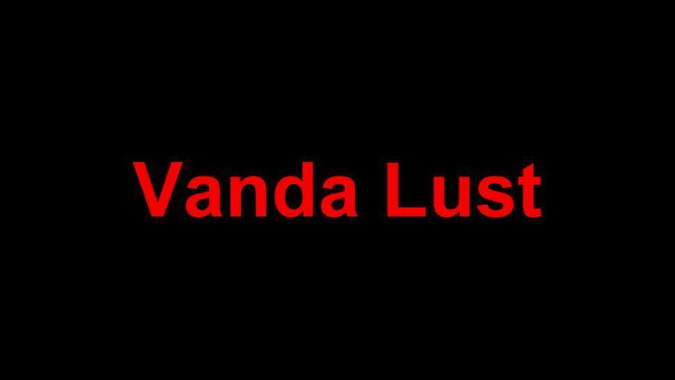 Vanda Knows How To Screw