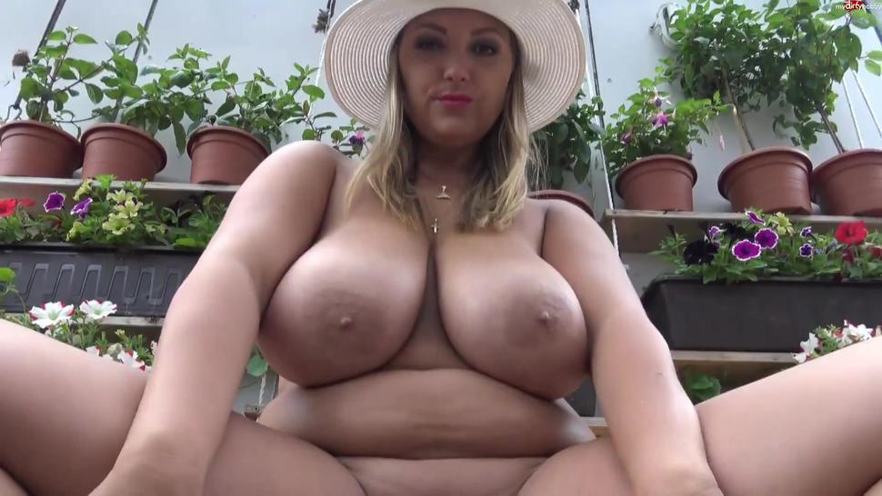 sexy big tits bbw chick