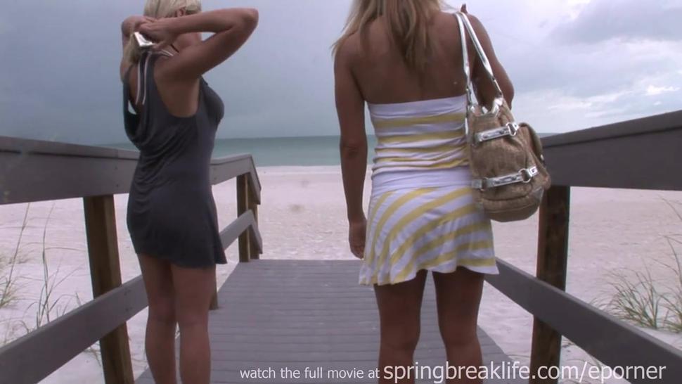 Bikini Model Takes It Off