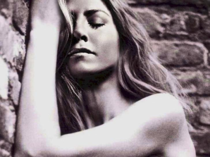 Celebrity/brunette/compilation slideshow nude jennifer