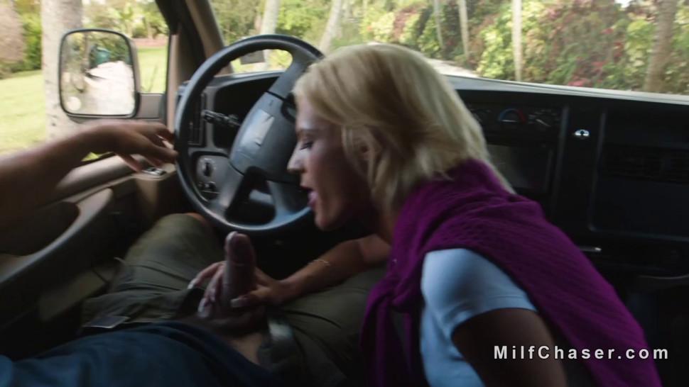 Huge tits sledner Milf bangs in mini van