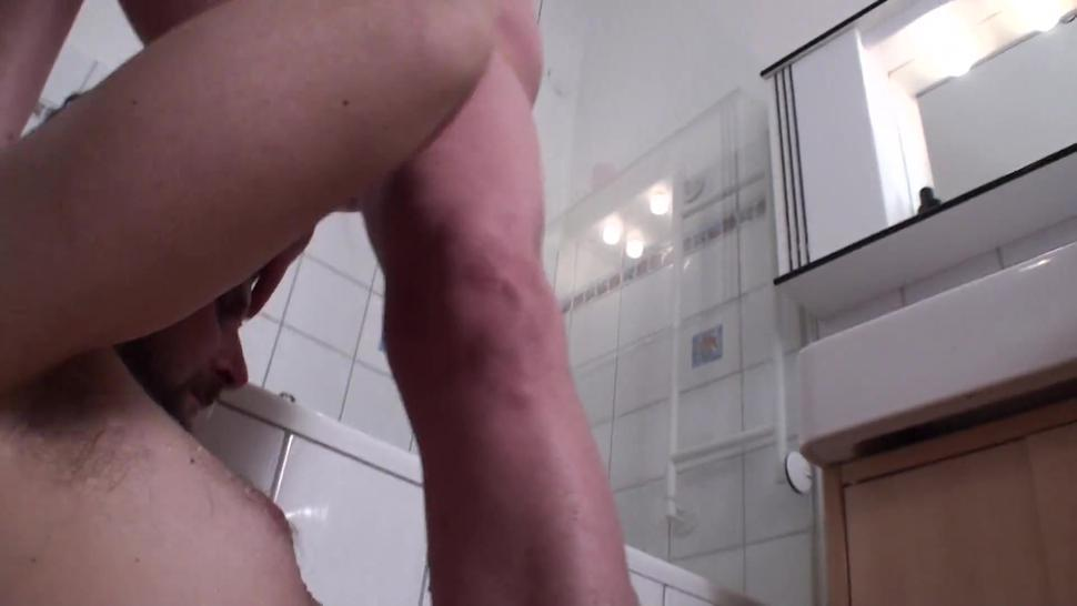 slave joschi get golden shower by mature lady