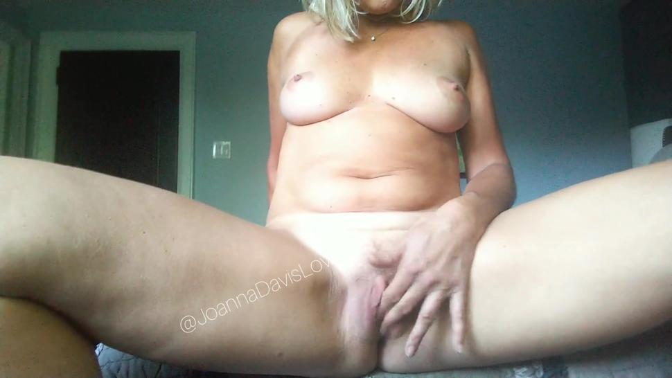 Sexy nude amateur blonde mature milf masturbating and fingering wet hairy pussy to orgasm