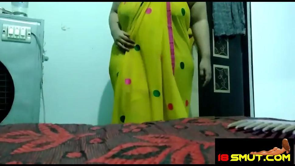 horny Kanchan, nude show for customer in 18mut