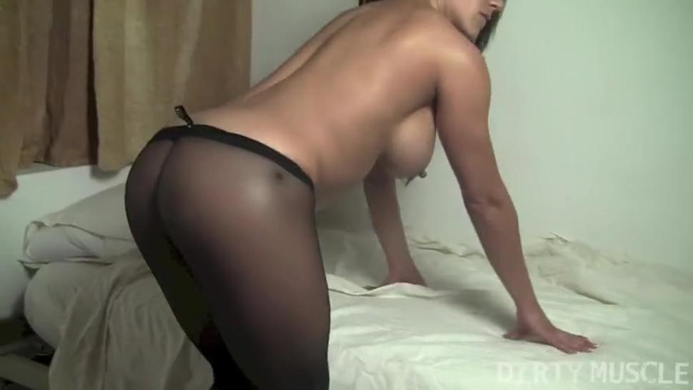 Sexy fit Leena masturbating in pantyhose