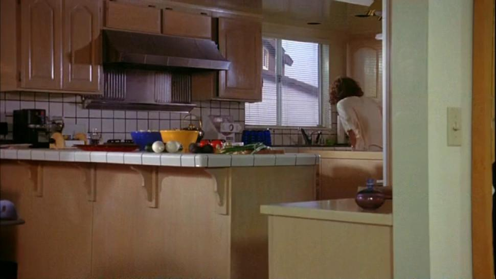 Julianne Moore nude - Short Cuts 1993