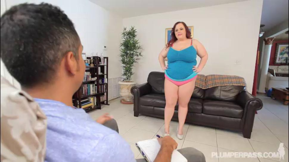 PLUMPER PASS - Big Booty Plumper Twerks for her new Daddy