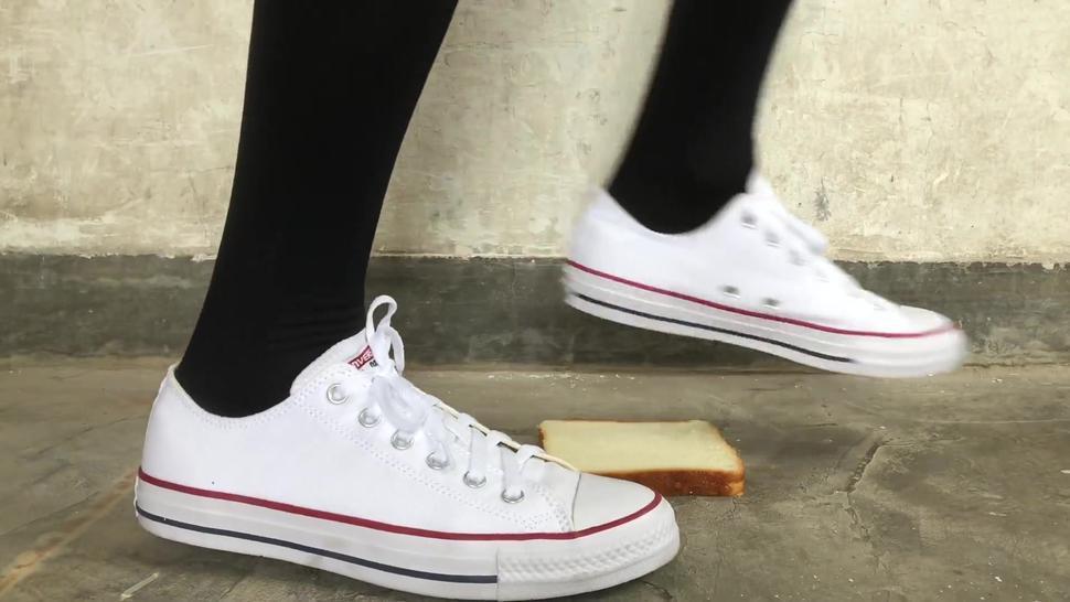 sneaker food crush