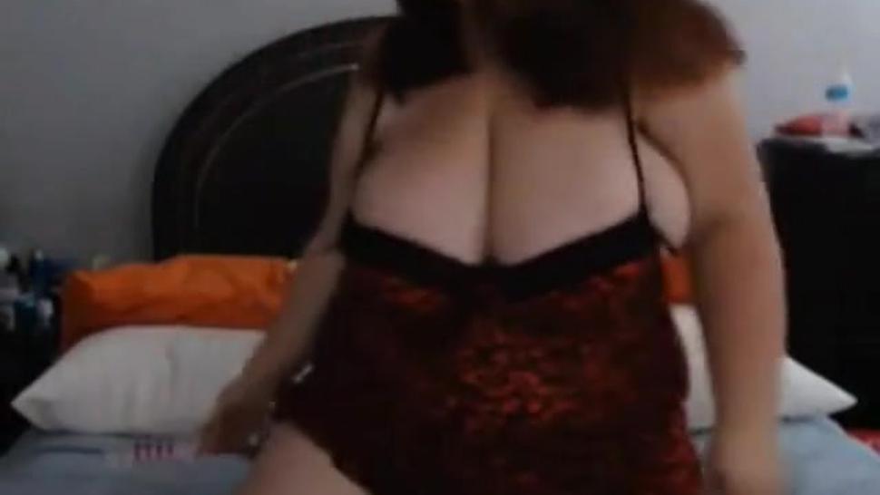 Chubby Big Busty on Webcam - negrofloripa