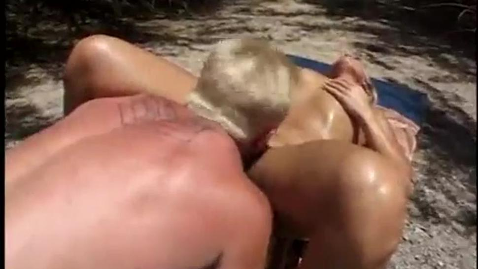 Blonde at beach fucked & facial by hunk