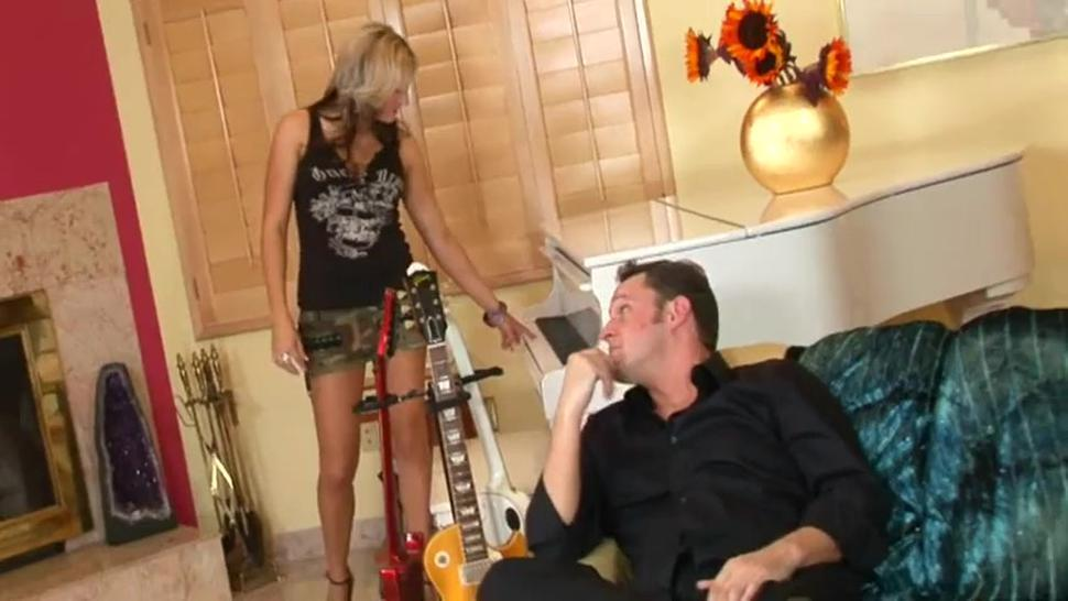 Sexy Bitch Jessica Shaw Fucked On Leather Chair