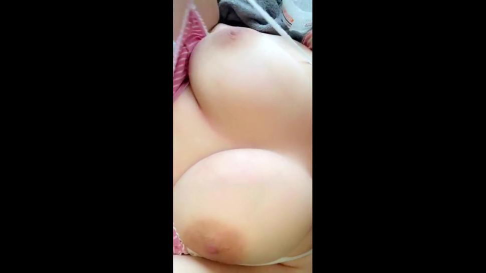 BBW Teen Unpakcs Her Huge Natural Boobs, PLays With Them And Fingers Herself