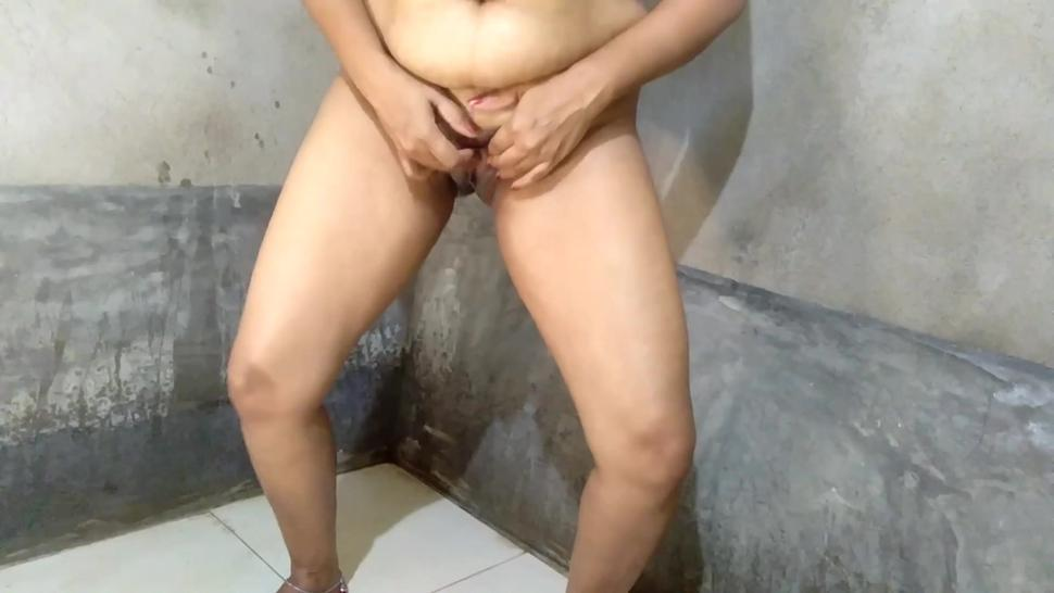 Hot Indian Aunty Bathroom Pissing Video Compilation