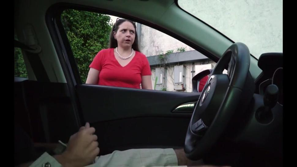 Driver jerks off talking to the strange woman