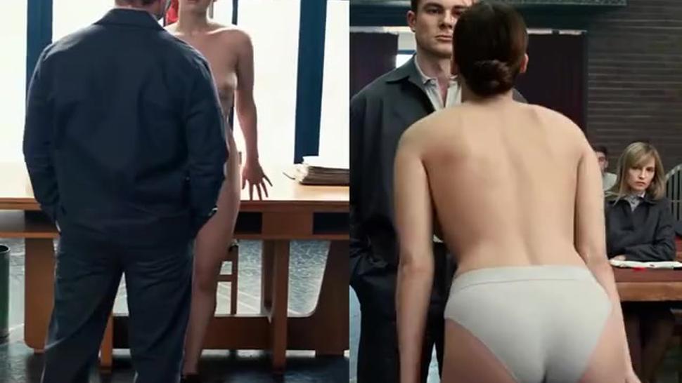 Jennifer Lawrence pulling down her panties