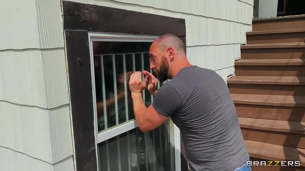 Ryan Keely - Ryan Uses The Washing Machine Full att: freebra.ml