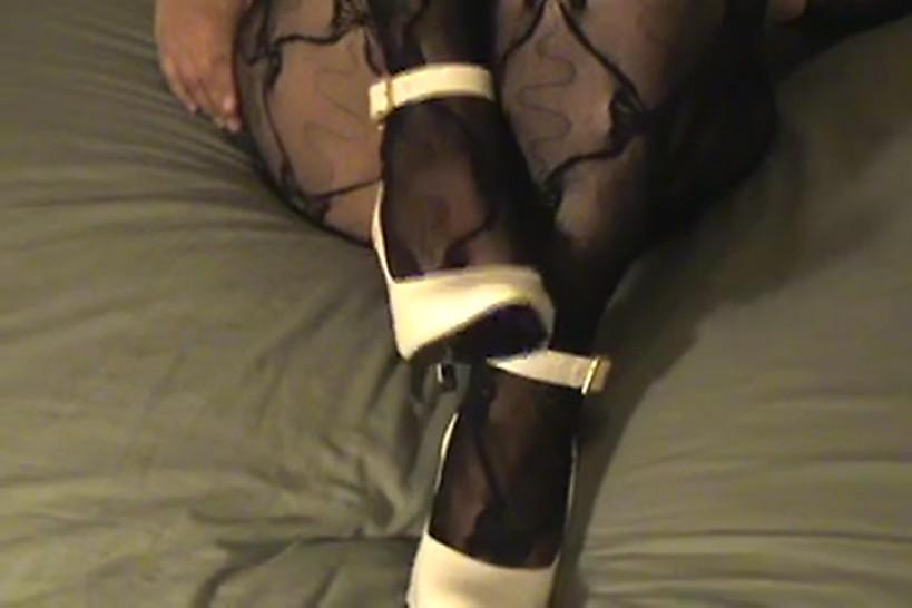 Pantyhose/foot/body crotchless in my squirting