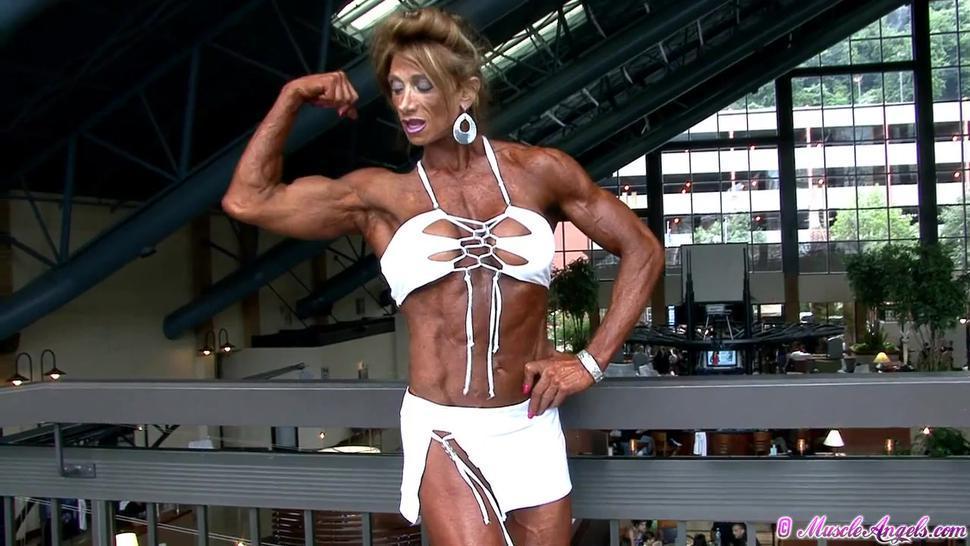 muscle girl 2