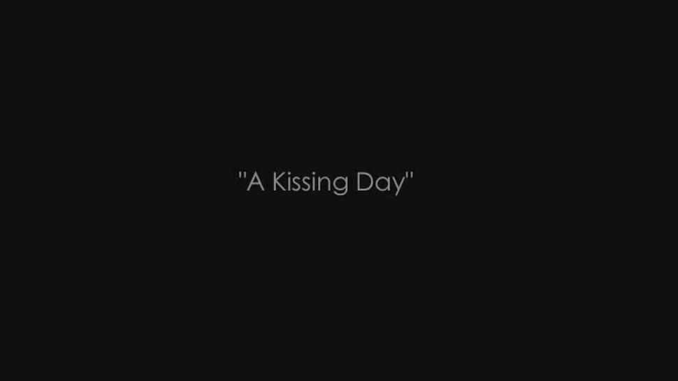 deep tongue kissing