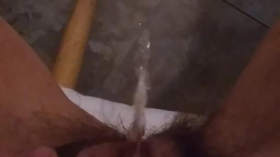 Pees on Kitchen Floor Squirt Piss Hairy Pussy Clit Clitoris PAWG
