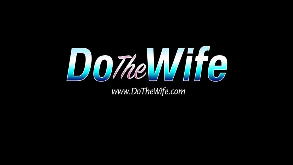 DO THE WIFE - Brunette Swinger Wife Allison Moore Gets Plowed in Front of Her Husband