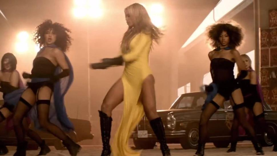 Beyonce - Run the World - Best Part - Slow-Motion Close-Ups - Awesome Pussy Slip!!!!!!!!!!!!!!