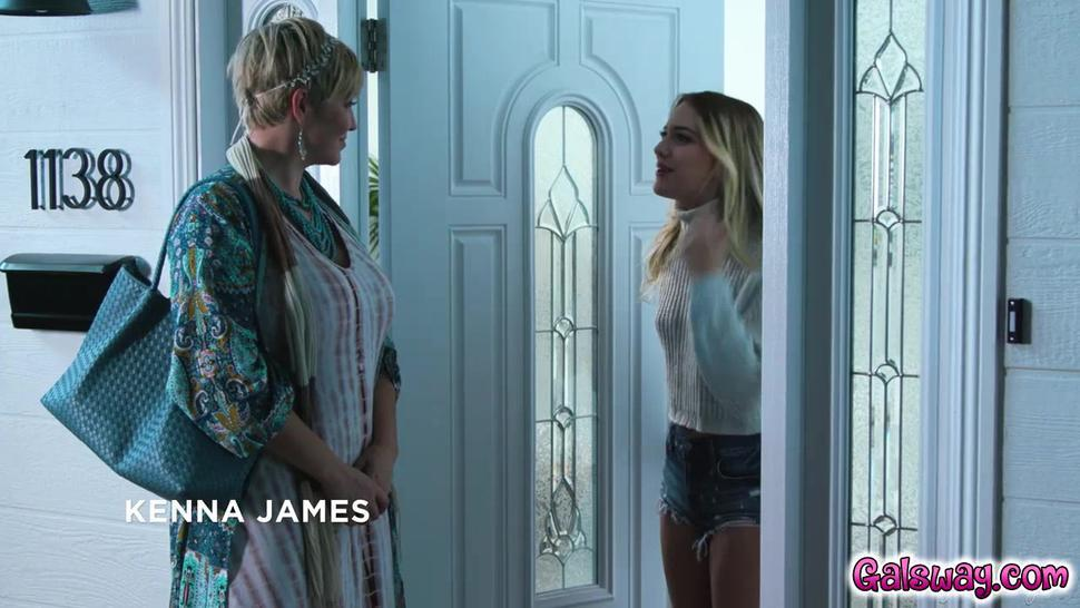 Ryan is there to help Kenna contact the spirit of Kennas late stepsister Tania