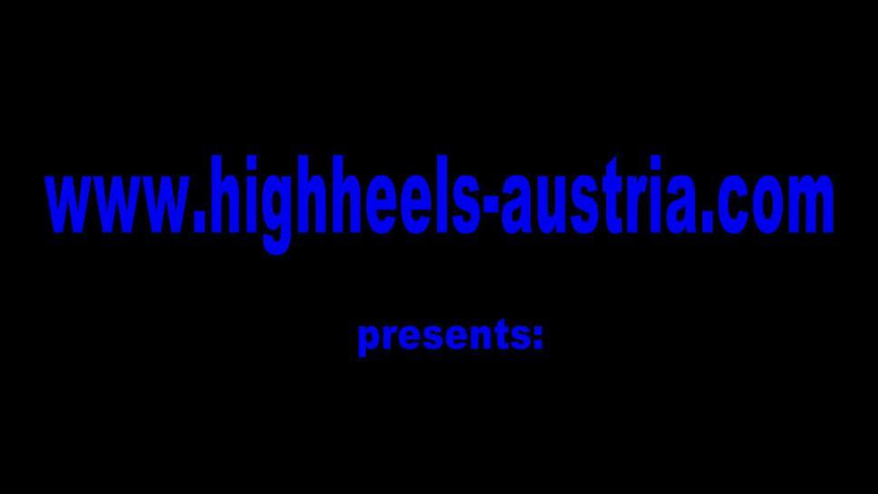 HIGH HEELS AUSTRIA - Femdom Ladies order slaves to lick their boots clean
