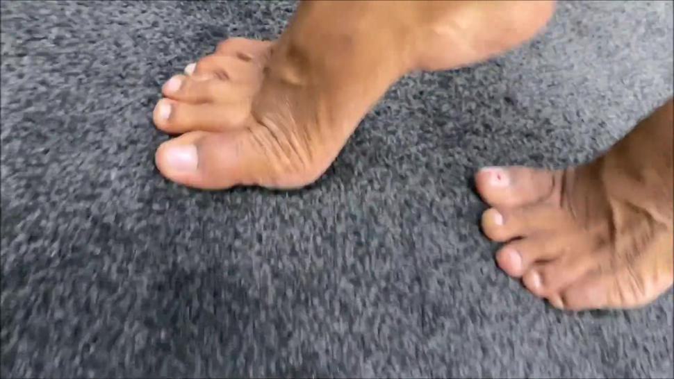 Lauren Dirty soles Mature foot sniff
