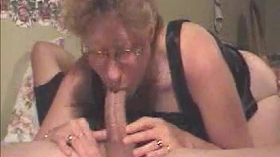 GILF DEEP THROAT - SHE GOT SKILLS