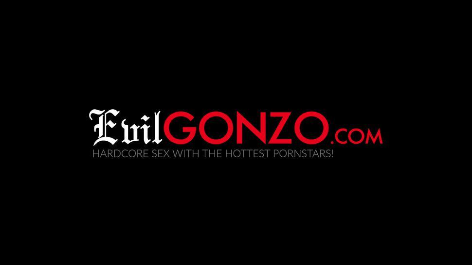 EVIL GONZO - Dick riding with three chicks and one dick