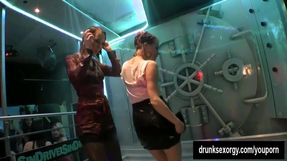 Sinfully lesbians gets wild in a club
