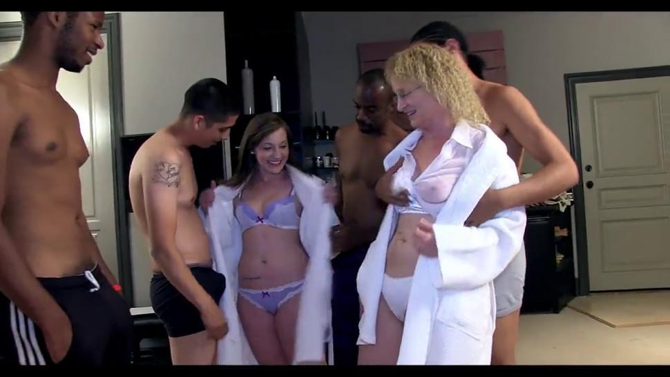 Creampie Mature - video 2