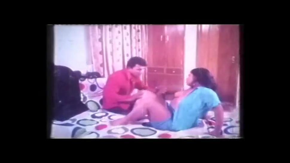 Hot Indian B Grade Busty Actress Sexy dance