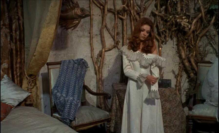 Sandra Julien nude - The Shiver of the Vampires - 1971