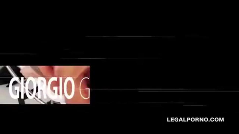 Sofy GoldFinger Gangbang Triple Penetration