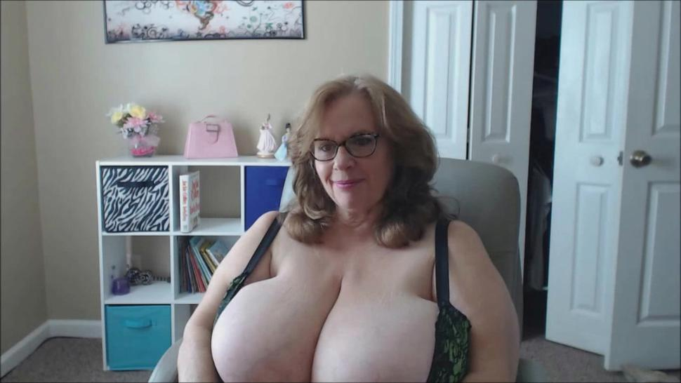Us Granny Bouncing The Biggest Natural Boobs In The World