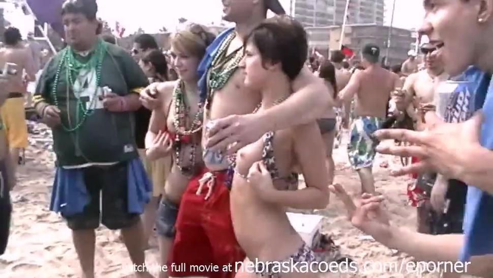 Beach Party In Texas With Girls Flashing Tits At Spring Break South Padre